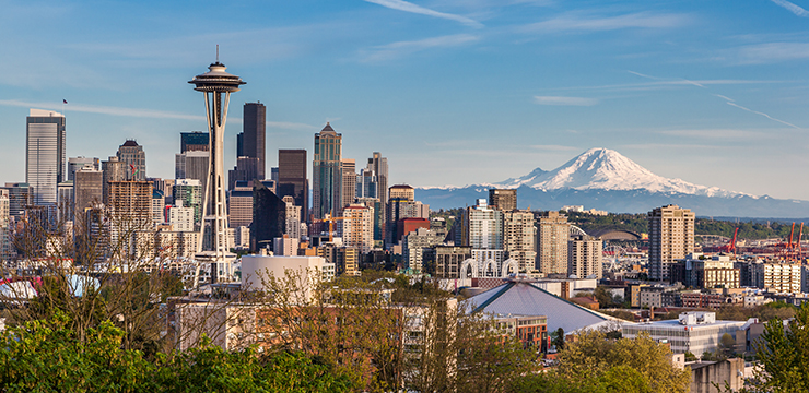 photo of Seattle skyline, with Mount Ranier in background